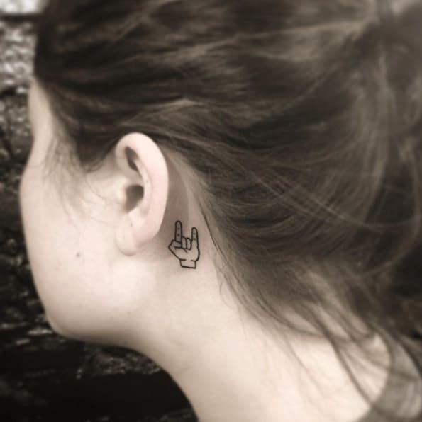 de6afa430 150 Sensuous Inner-Behind The Ear Tattoos (Ultimate Guide, July 2019)