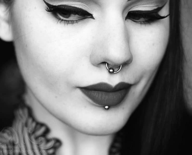 labret piercing (27)