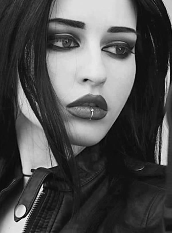 labret piercing (38)