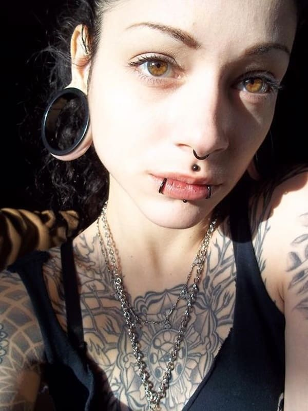 labret piercing (77)