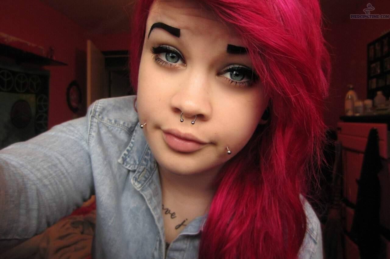 21 Sexy Dimple Inspirations and Dimple Piercing Info Guide Dimple piercing scars pictures