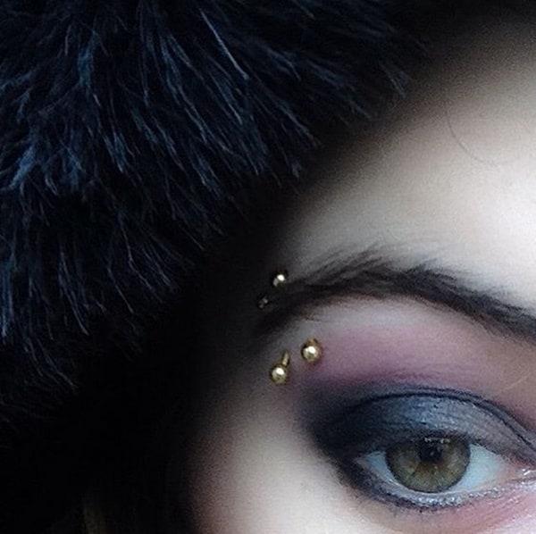 eyebrow piercing (1)
