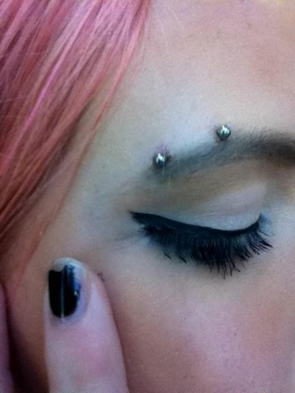 eyebrow piercing (31)