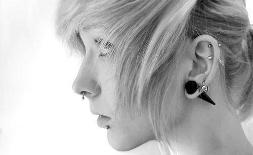 stunning-helix-piercing