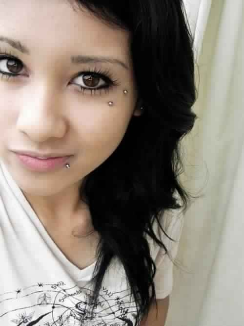 Anti Eyebrow Piercing example