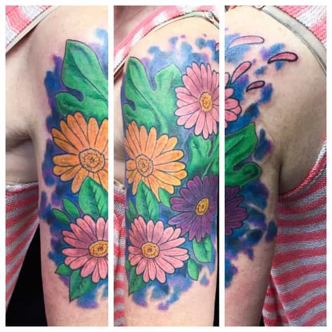 229cdd603 150 Small Daisy Tattoos Meanings (Ultimate Guide, July 2019)