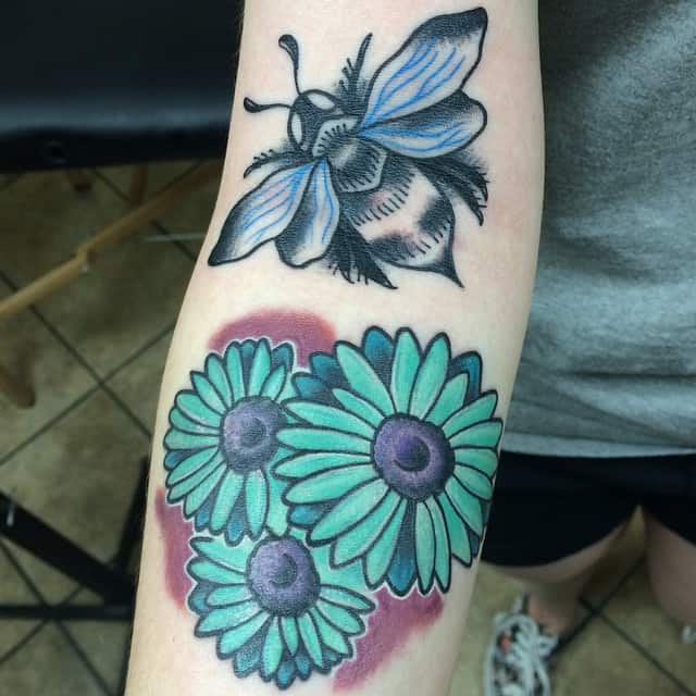 100 pretty daisy tattoo designs and meanings july 2018 daisy tattoos mightylinksfo