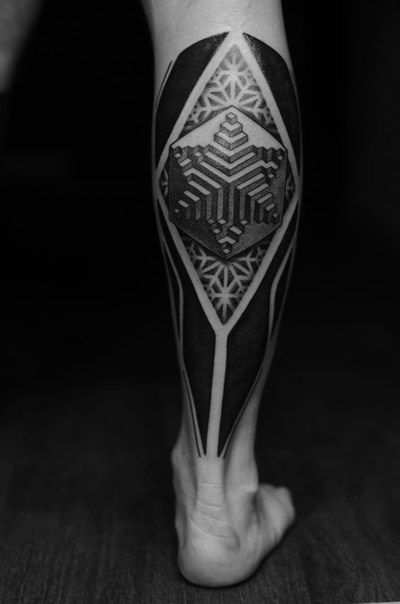 geometric leg tattoo