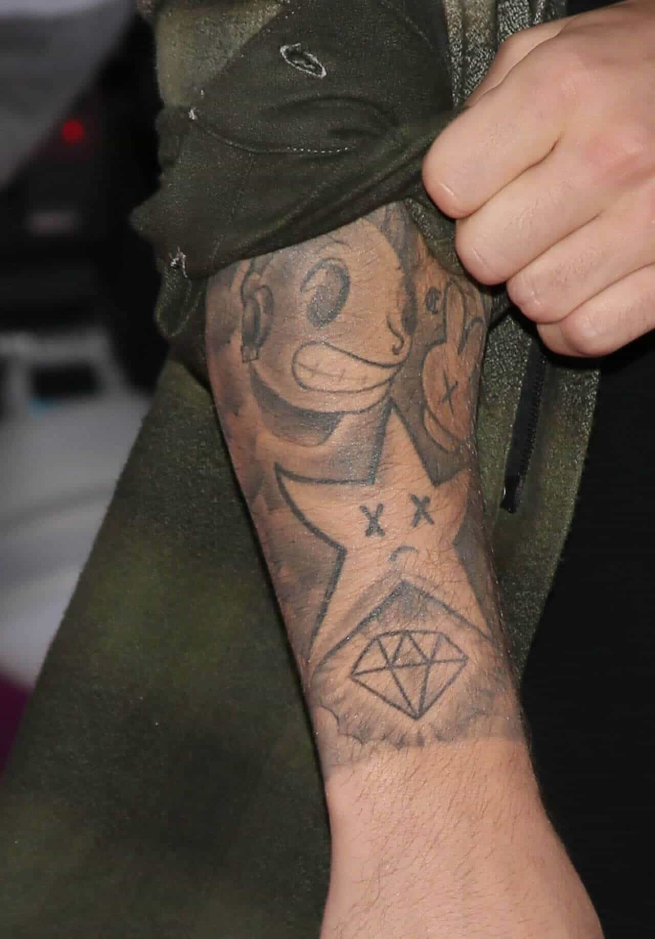 justin bieber graffiti star tattoo