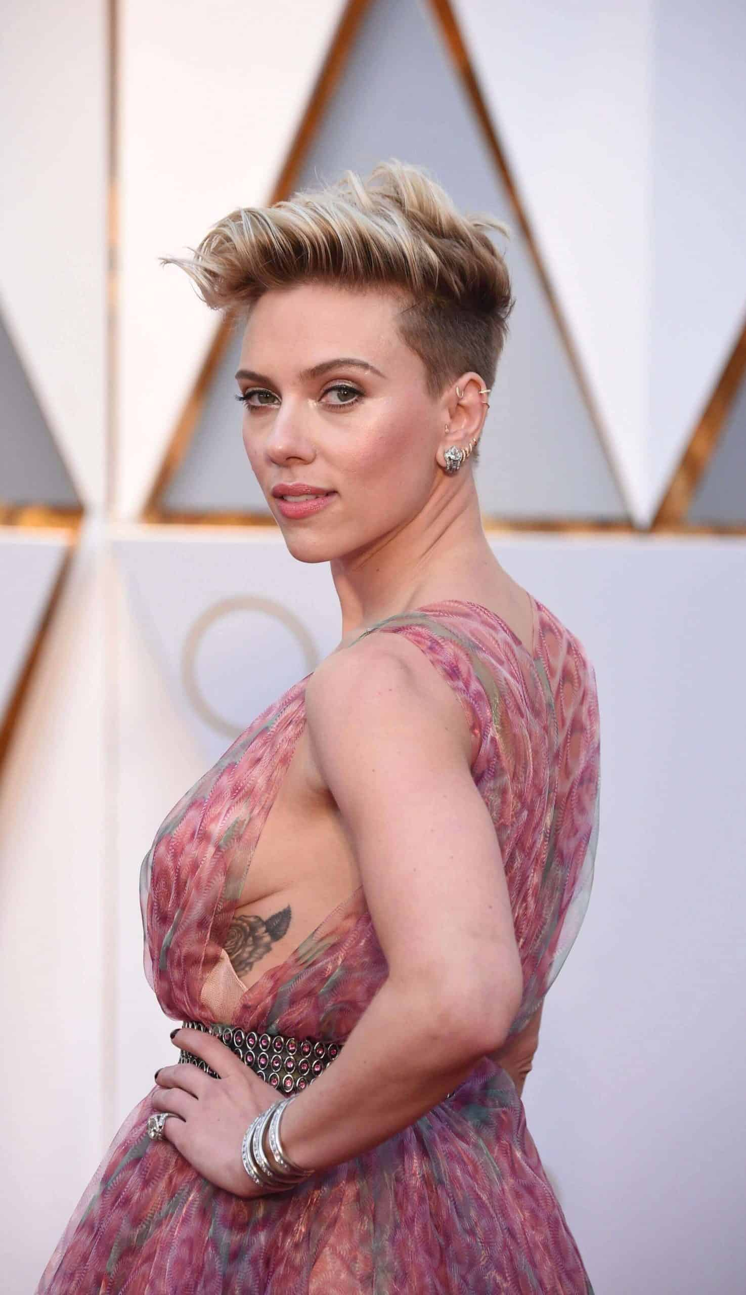 scarlett johansson rose tattoo